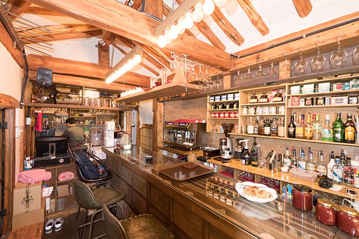 特色空间改造而成的新概念咖啡厅