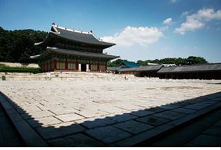 Injeongjeon (Throne Hall)